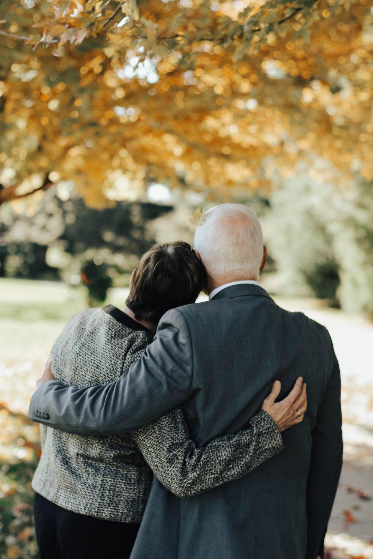 Lad den lokale bedemand i Struer hjælpe med forberedelse af begravelse